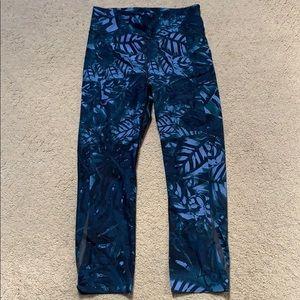 Sweaty Betty Tropical Print Crop Leggings. EUC XS